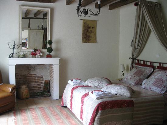 Le Clos du Puits : the bedroom Leonardo suit