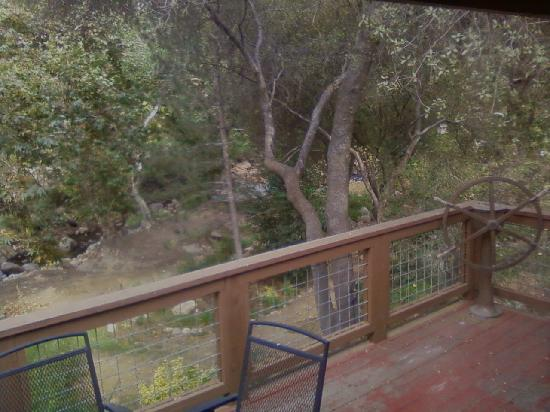 Sequoia River Dance B&B: View from the balcony outside of our room