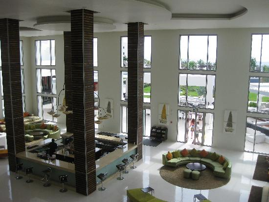 Secrets Silversands Riviera Cancun: Rendezvous Lobby Lounge