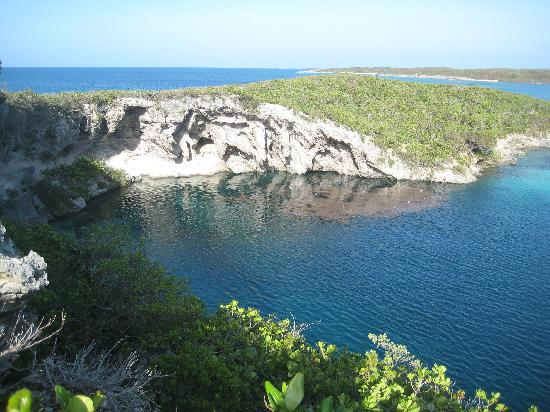The Bahamian Village: Dean's Blue Hole: deepest in the world