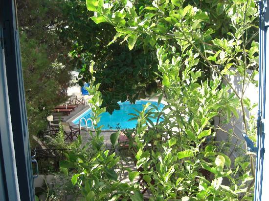 Pool and courtyard at Villa Kynthia
