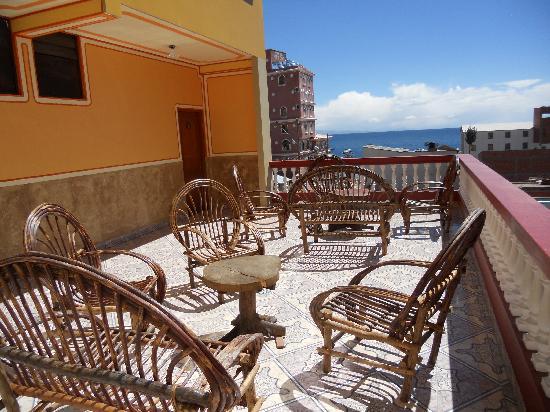 Hotel Paraiso: Sunny terrace
