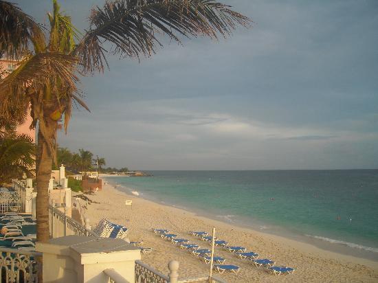 Hotel Riu Palace Paradise Island: My Blue heaven