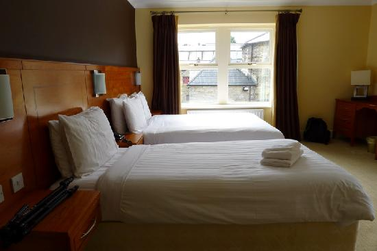 Clew Bay Hotel: The bedroom