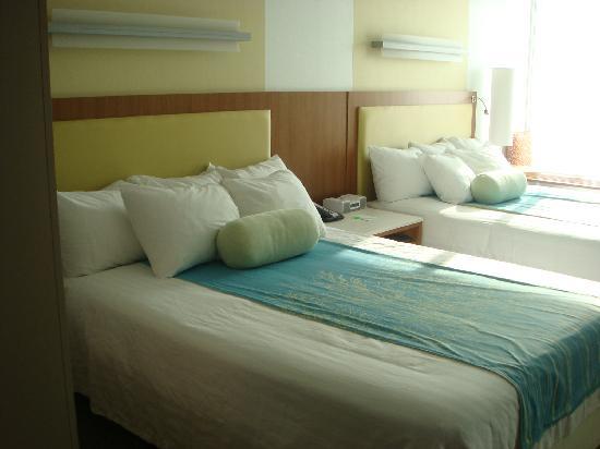 SpringHill Suites Grand Forks : Bedroom