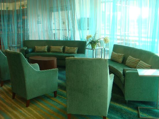SpringHill Suites Grand Forks : Lobby