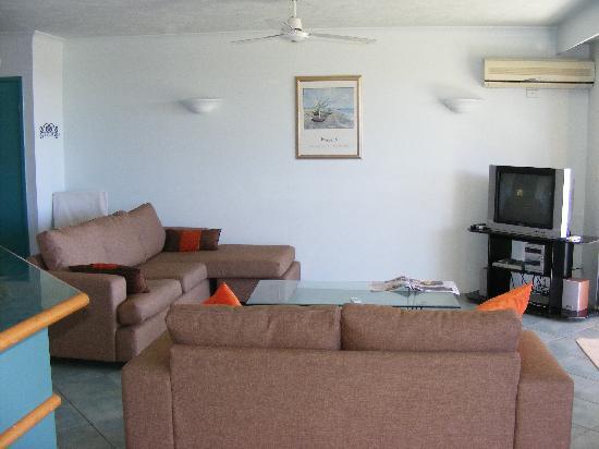 Currumbin Sands on the Beach: Living room- Currumbin Sands