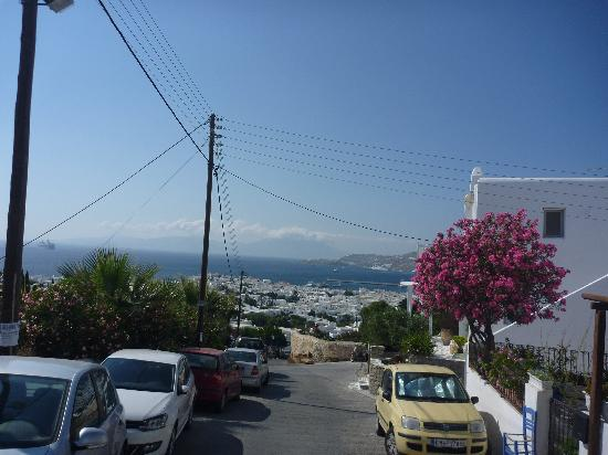 Ξενοδοχείο Νάζος: Just outside the hotel - top of the hill
