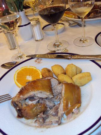 Bussaco Palace Hotel: Suckling pig - specialty of area