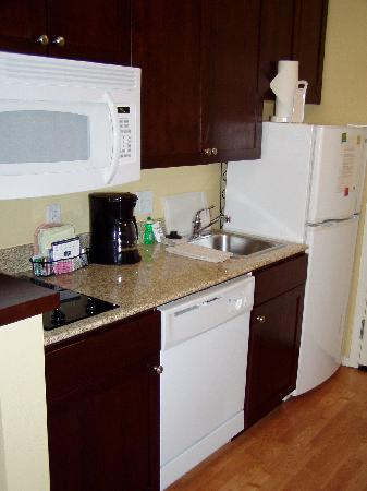 TownePlace Suites Boise Downtown: Kitchenette