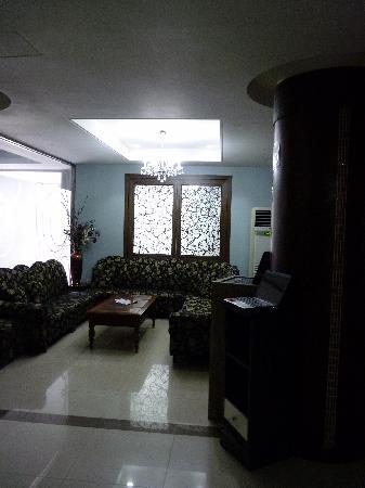 Hill House Hotel: lobby wifi area