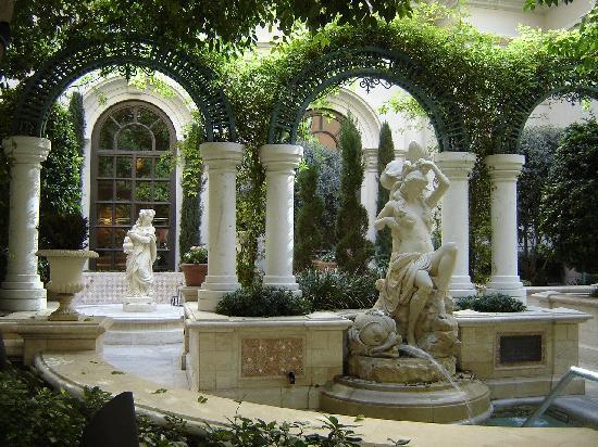โรงแรมเวเนเชียน รีสอร์ท คาสิโน: One of the gardens of the hotel