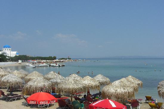 Hotel Aktaion: Hotel's beach