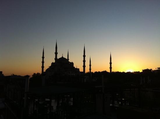 Turk Art Hotel: la Moschea Blu al tramonto