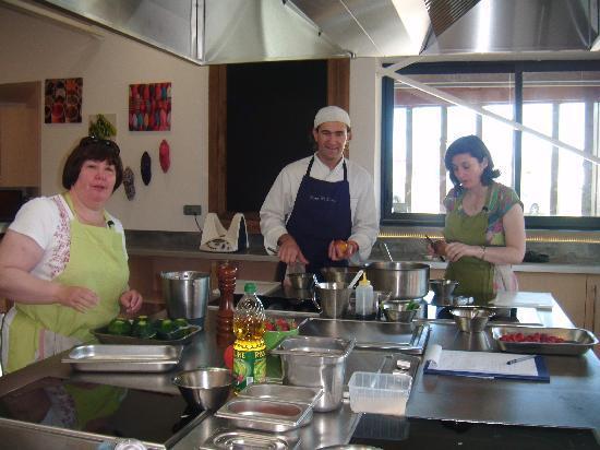 بياريتز, فرنسا: Preparing Dinner