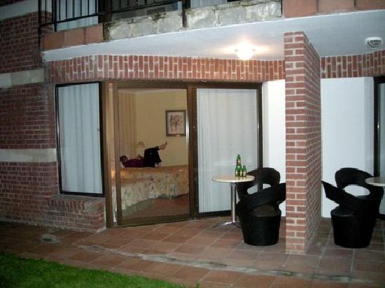 Hôtel Château Tilques : Room patio