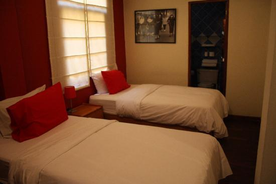 Peru Star Apartments Hotel: Bedroom in one of the 2-bedroom suites.