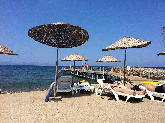 Hotel Akbulut & Spa: Hotel beach