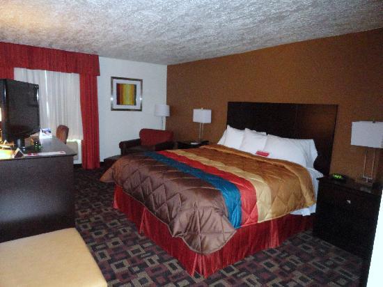 Ramada Tulsa: Standard 2 Queen Beds