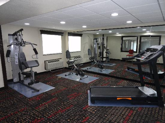 Ramada Tulsa: Fitness Center