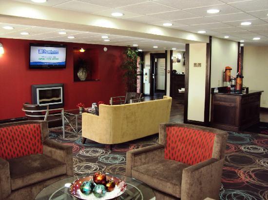 Ramada Tulsa: Lobby 1