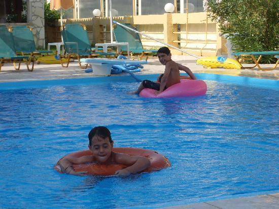 Top Hotel Chania: the swimming pool