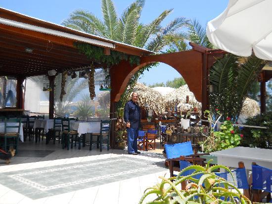 Sea Side Beach Hotel: l'ingresso e l'area colazione