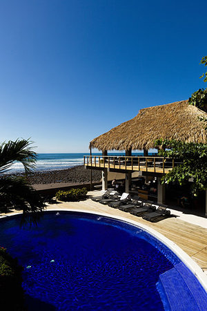 El Sunzal, El Salvador: Just a stones throw from the waves