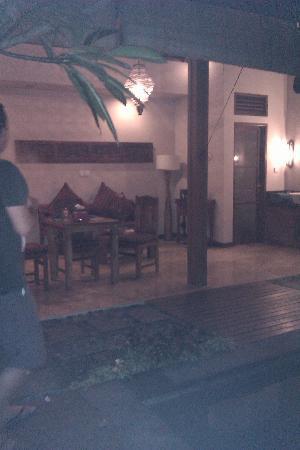 Ajanta Villas: alfresco dine area