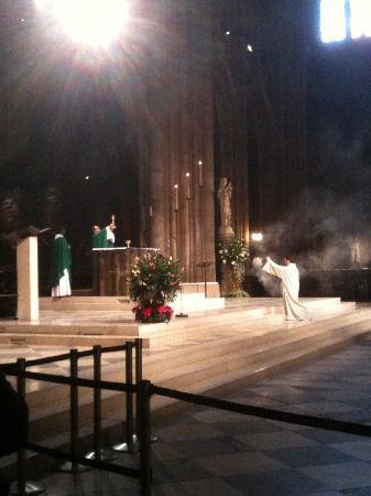 มหาวิหารน็อทร์-ดาม: Mass at Notre Dame