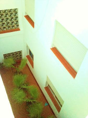 Hostal San Sebastian: patio
