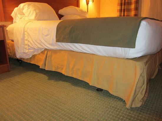 Holiday Inn Express Hotel & Suites - Coeur D'Alene: Tired looking decor