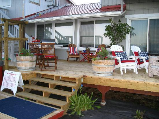 Ocean House Inn Hotel and Condos: back deck