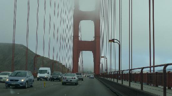 สะพานโกลเดนเกท: Foggy Day