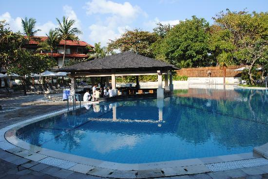 Tuban, Endonezya: The Pool Bar