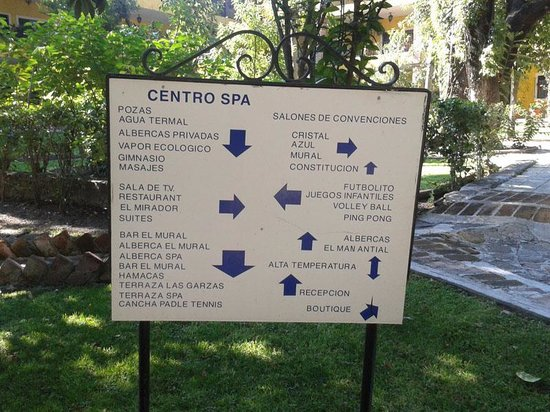 Hotel El Relox: La señalización del hotel es confusa
