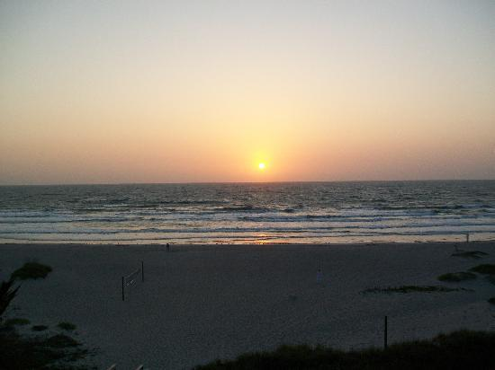 Ocean Landings Resort and Racquet Club: Beautiful Sunsets