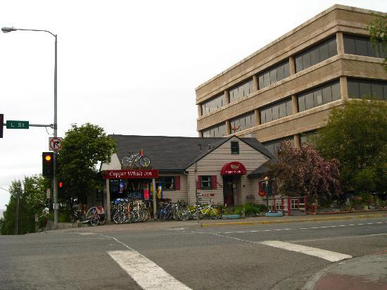 Copper Whale Inn: from the street