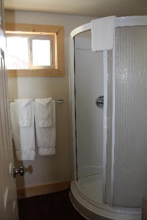 St Mary Lodge & Resort: bathroom