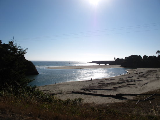 Mendocino Headlands State Park: Closer view of Big River beach from Hwy 1