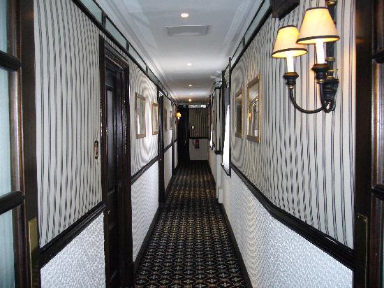 Hotel 41: ホテル 廊下