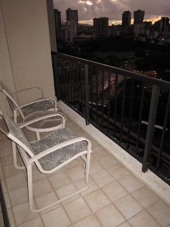 ฮิลตัน ฮาวายเอี่ยนวิลเลจ ไวกีกิ รีสอร์ท: Tapa Tower Balcony