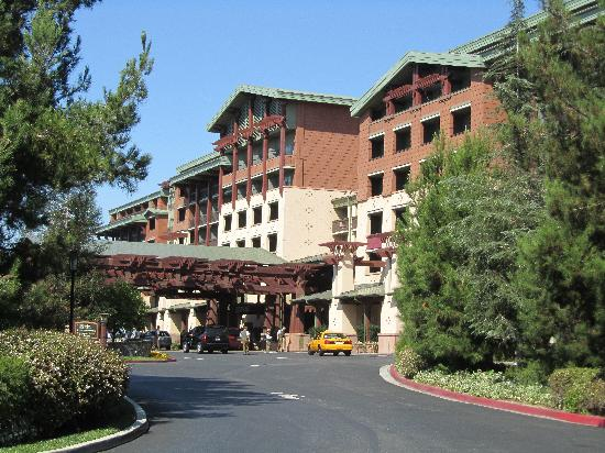 Disney's Grand Californian Hotel & Spa: Front of the Hotel