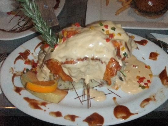Hash House A Go Go: Man v's food challenge!