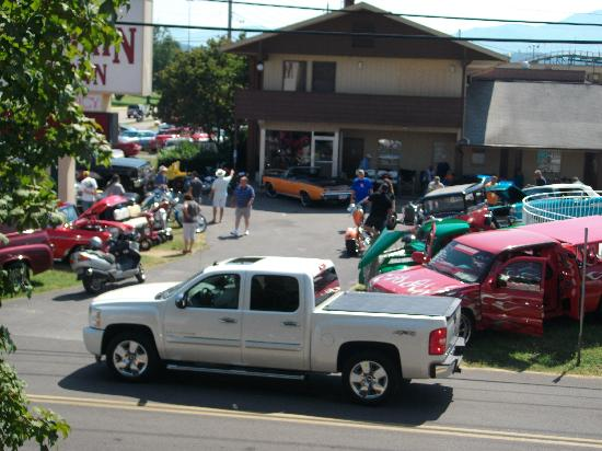 Shular Inn Hotel: view of Rod RUN 2011 from our balcony