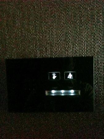Steigenberger Grandhotel Handelshof: put in your key to torn the lights on