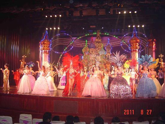 Pinnacle Grand Jomtien Resort: Alcazar Show