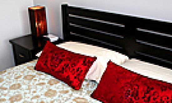Founda Gardens Apartments : Master bedroom
