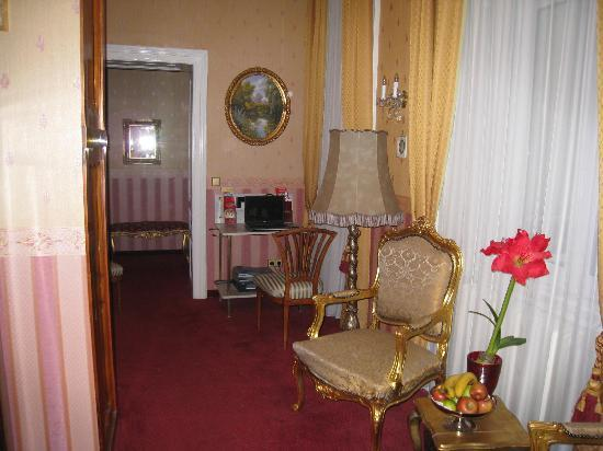 "Opera Suites: The ""business center"" in the lounge near my room"