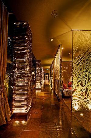 โรงแรมคุนหลุน: Yan Club